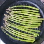 Asperges in grillpan